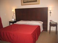 326603206_8a12a358bd_m_Hotel-Garda-Rome