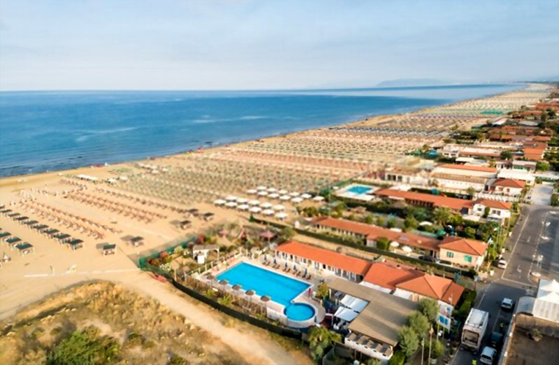 the sunny, well frequented beach resorts of Versilia